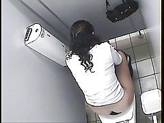 دختر عرب توالت جاسوسی