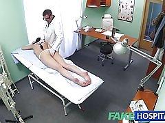 Fakehospital سکسی بیمار آن از پشت با او جدید را دوست دارد